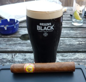 El Rey del Mundo Choix Supreme and a pint of Brain's Black stout