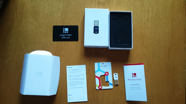 Contents of the Ledger Wallet box
